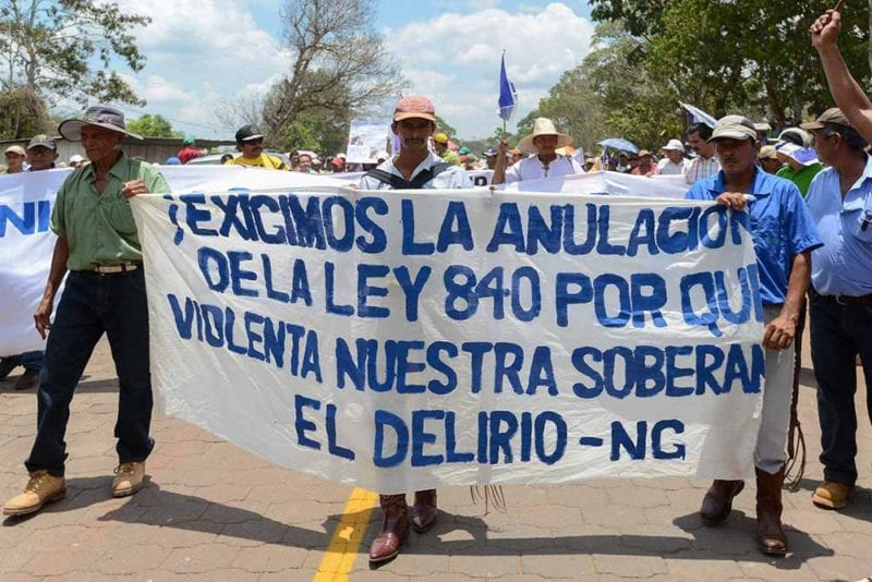 Thousands of farmers arrived in Nueva Guinea to call for the repeal of Law 840. Carlos Herrera/Confidencial
