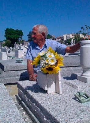 Humberto,-el-sepulturero