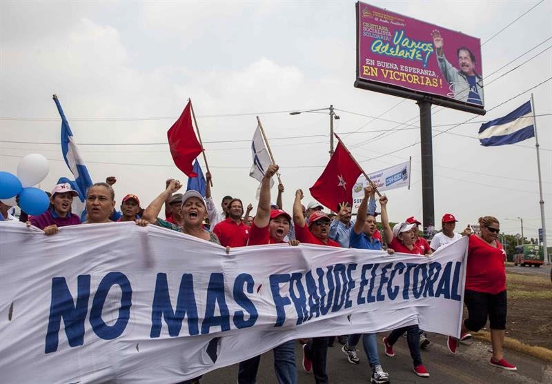 A protest in Managua against electoral fraud. Photo: jorge Torres/EFE