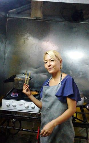Noriko-Cocinando