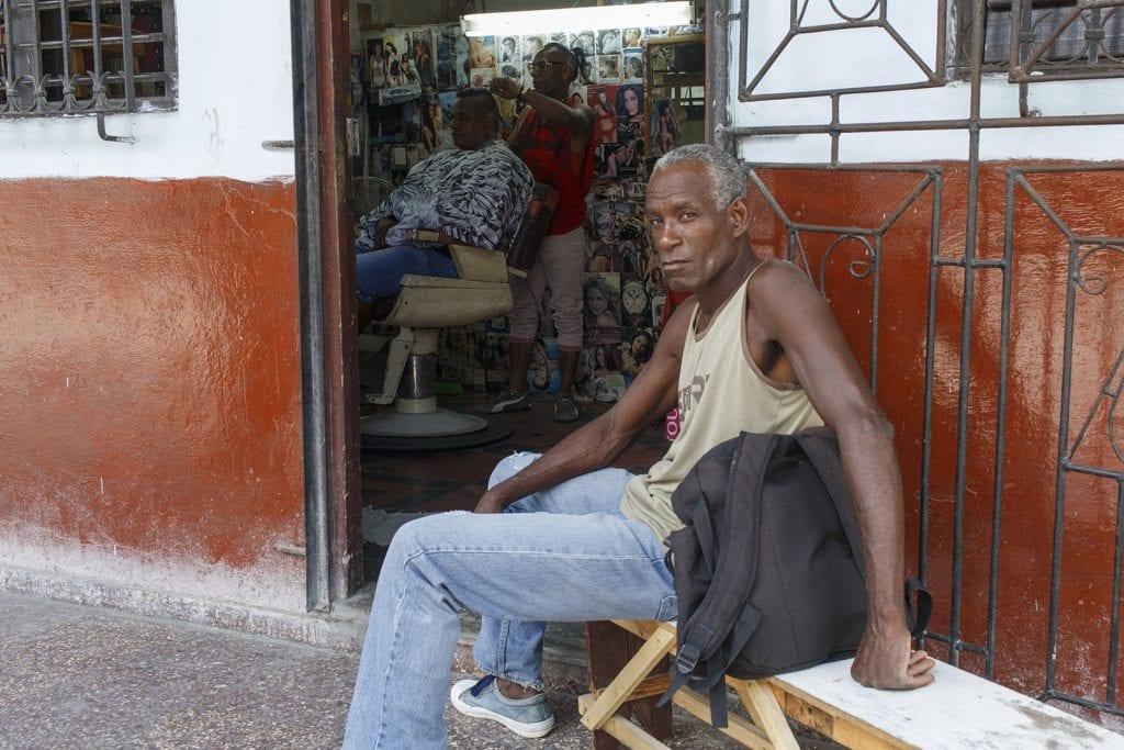 At the barber shop. Photo: Juan Suarez