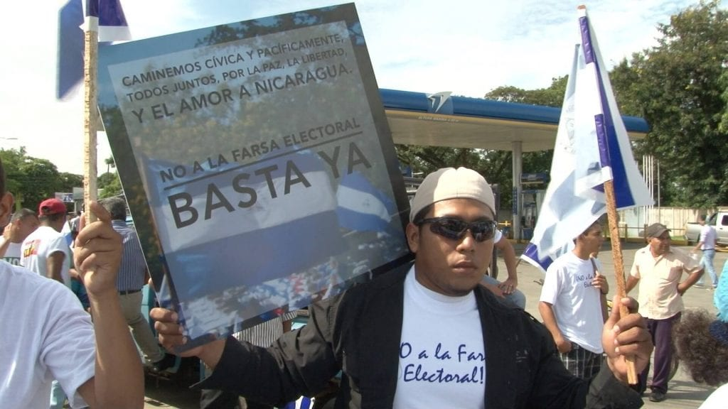 Protestor against election farce in Masaya. Photo: Ricardo Salgado/confidencial