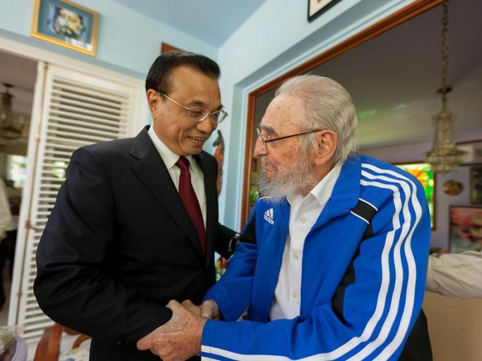 Chinese Prime Minister Li Kequiang and former Cuban President Fidel Castro in Havana on September 25, 2016.