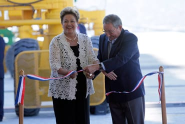 Happier times: Dilma Rousseff and Raul Castro at the inauguration of the container port at Mariel.