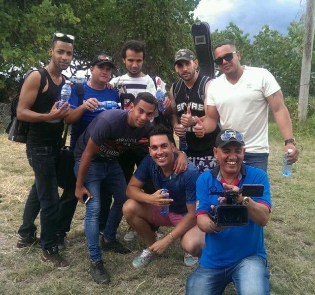 Algunos integrantes del grupo de Osvaldo Montero.jpg