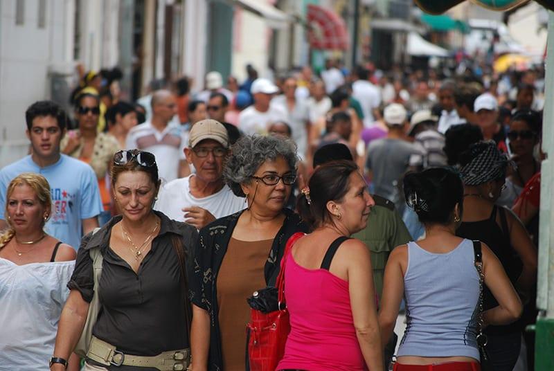 3-mujeres-en-la-calle