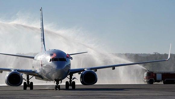 American Airlines flight lands in Havana. cubadebate.cu