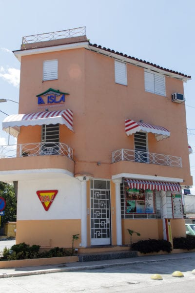 Private cafe La Isla. Photo: Juan Suarez