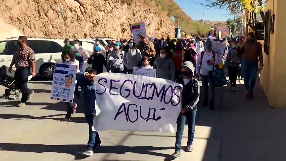 Asylum Seekers Protest on US-Mexico Border - Havana Times